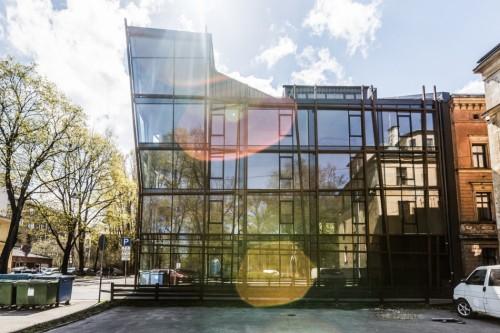 Daudzdzīvokļu ēka ar komercfunkciju pirmajā stāvā, Valkas iela 4, Rīga
