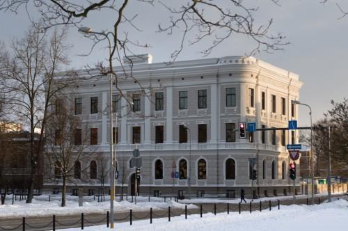 Daudzdzīvokļu ēkas ar sabiedriska rakstura telpām pārbūve Jelgavā