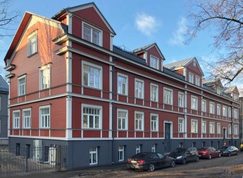Ēkas rekonstrukcija Lapu ielā Rīgā