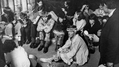 Hipiji Doma laukumā, 70. gadu sākums; M. Brašmanes foto